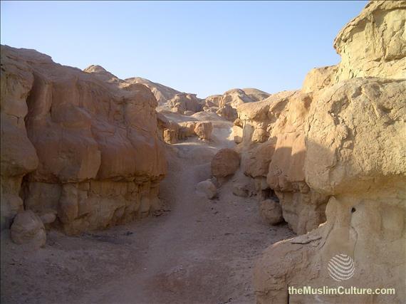 saudi-arabia-hofuf-al-gara-mountains-07