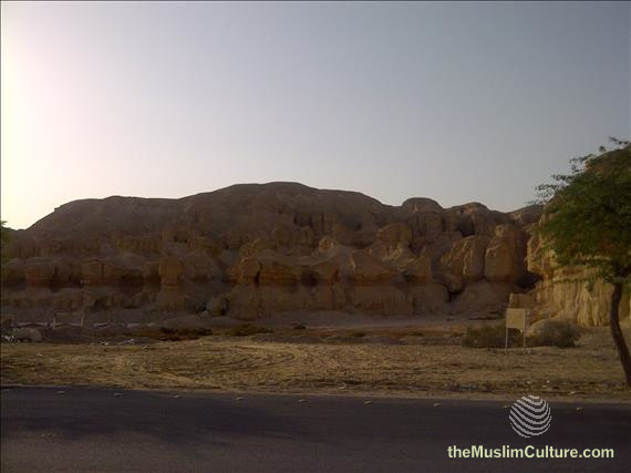 saudi-arabia-hofuf-al-gara-mountains-09