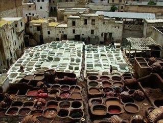 fi-leather-makers-fez-morocco-economy-1-1550490