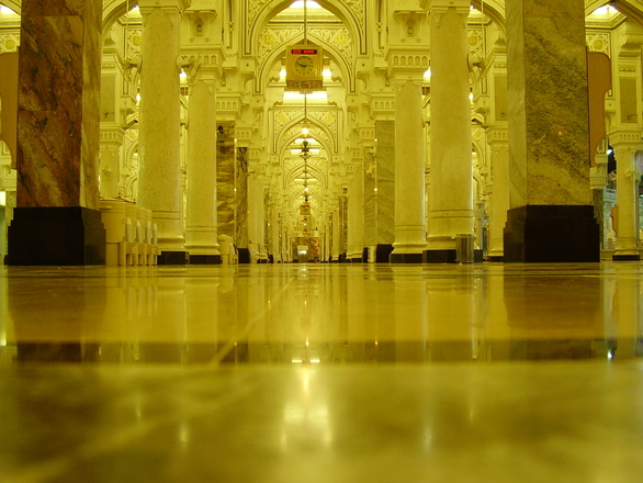 the golden colors of the inside of Makkah mosque
