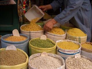 fi-morocco-market-spices-1234512