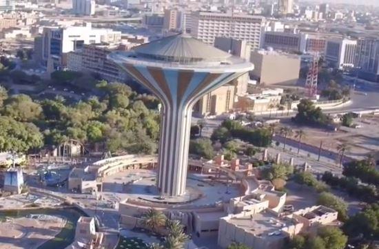yt-riyadh-saudi-arabia-skyline-in-desert-water-tower2