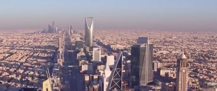 yt-riyadh-saudi-arabia-skyline-in-desert2